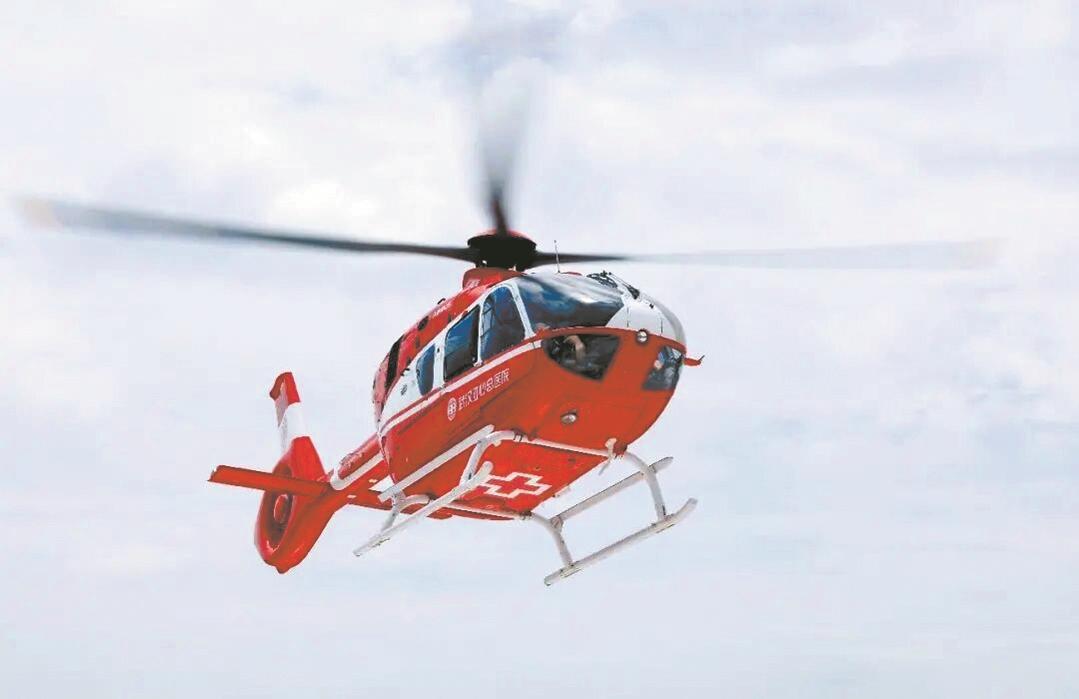 """""""空中120""""来了  武汉启动直升机交通事故救援"""