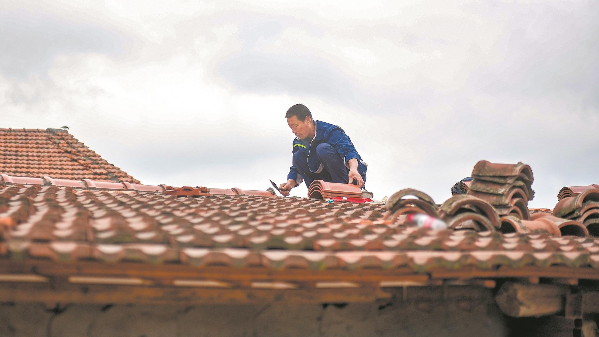 武汉蔡甸:一砖一瓦重筑家园
