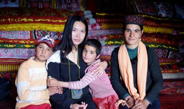 面对谣言,新疆姑娘选择这种方式探究真相