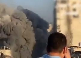 以色列空袭加沙炸毁高层建筑画面