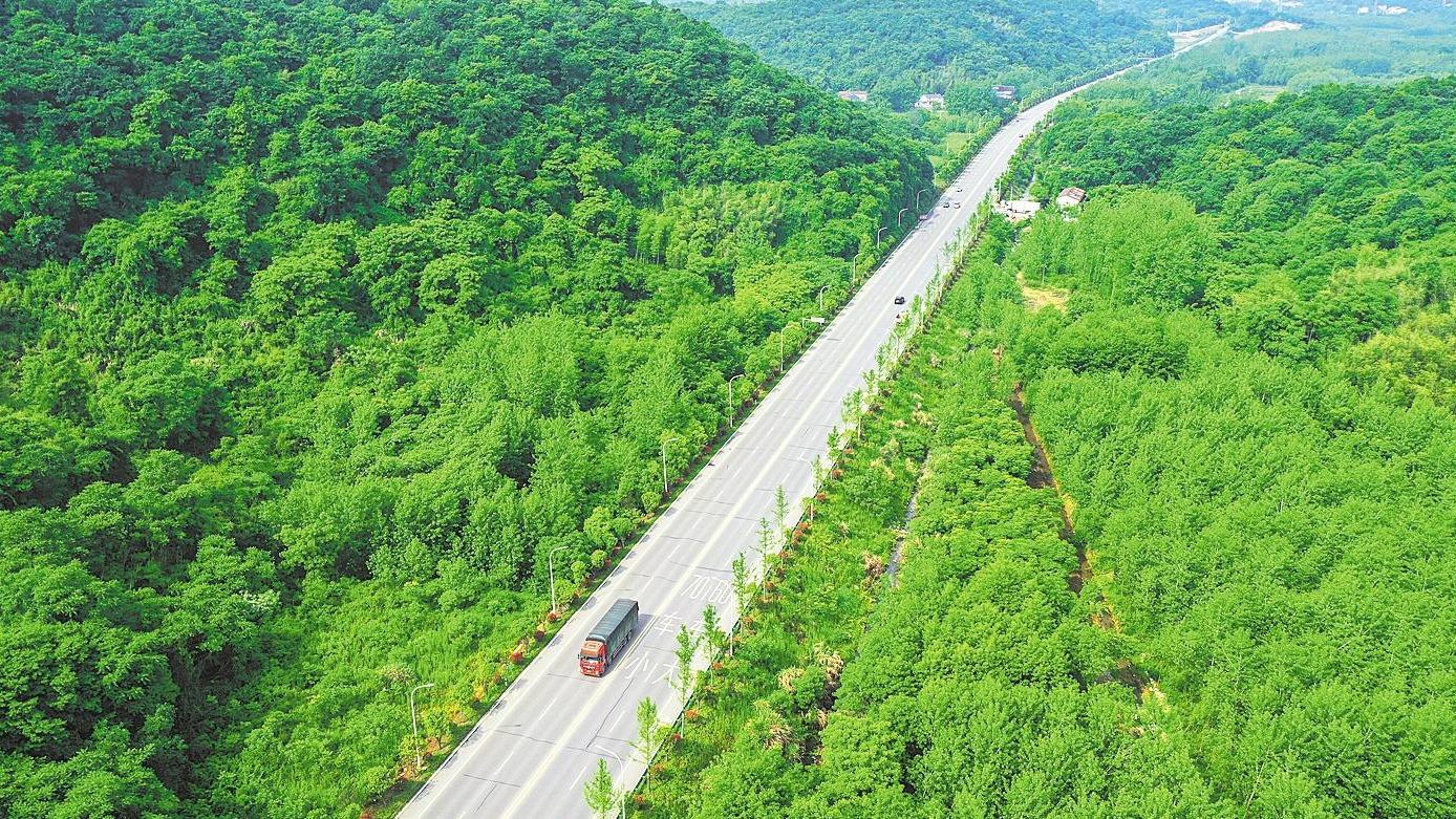 107国道赤壁段改扩建后达一级公路标准