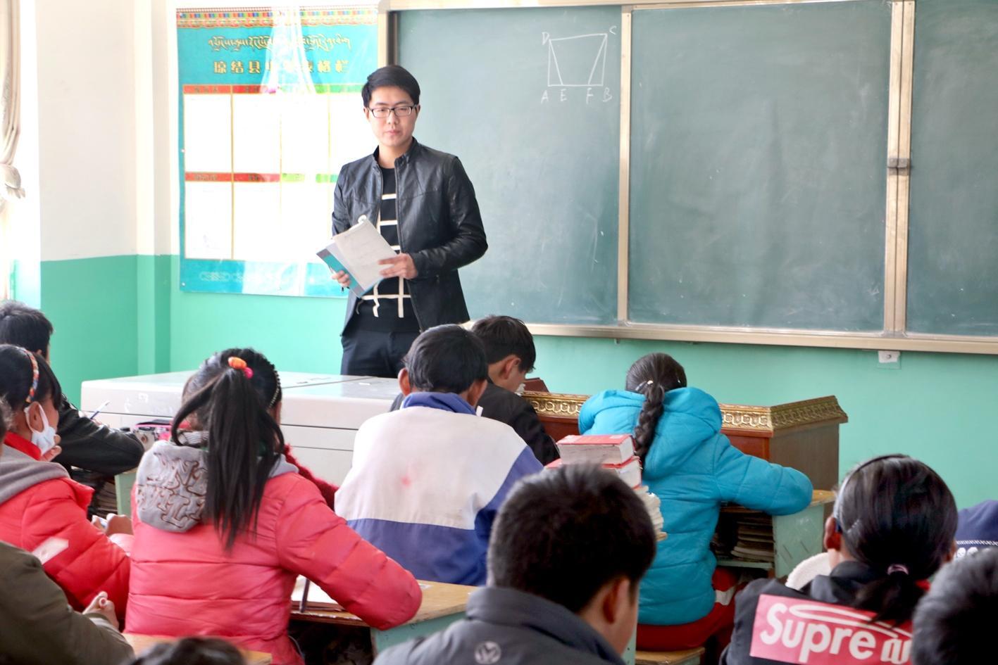 湖北小伙在西藏阿里挥洒青春