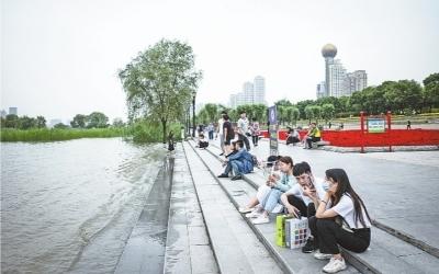 长江武汉段水位较历史同期高出4米