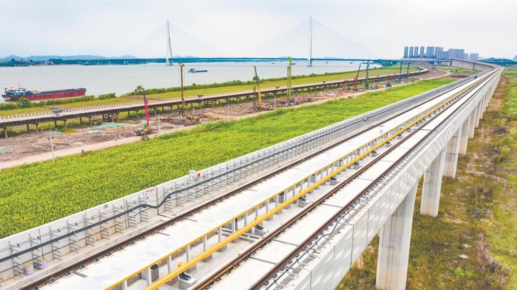 武漢最美觀江地鐵16號線貫通