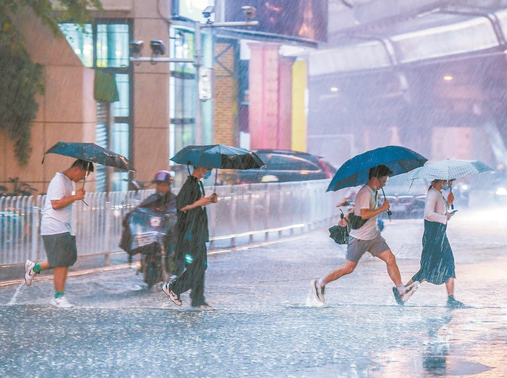 雨水包昨日投遞武漢厚此薄彼   今日局部仍有暴雨