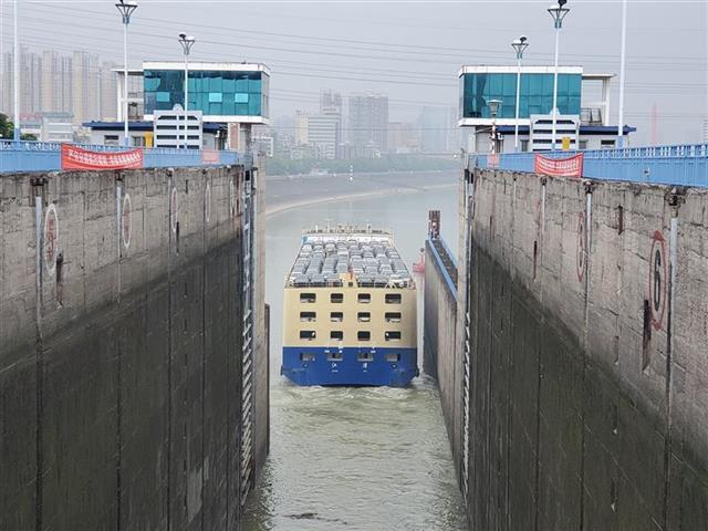 葛洲壩船閘40年通過貨物18.8億噸