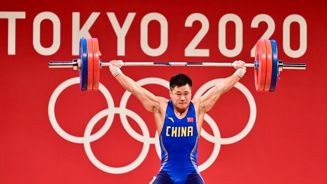 湖北伢呂小軍,抓舉成績刷新奧運紀錄!