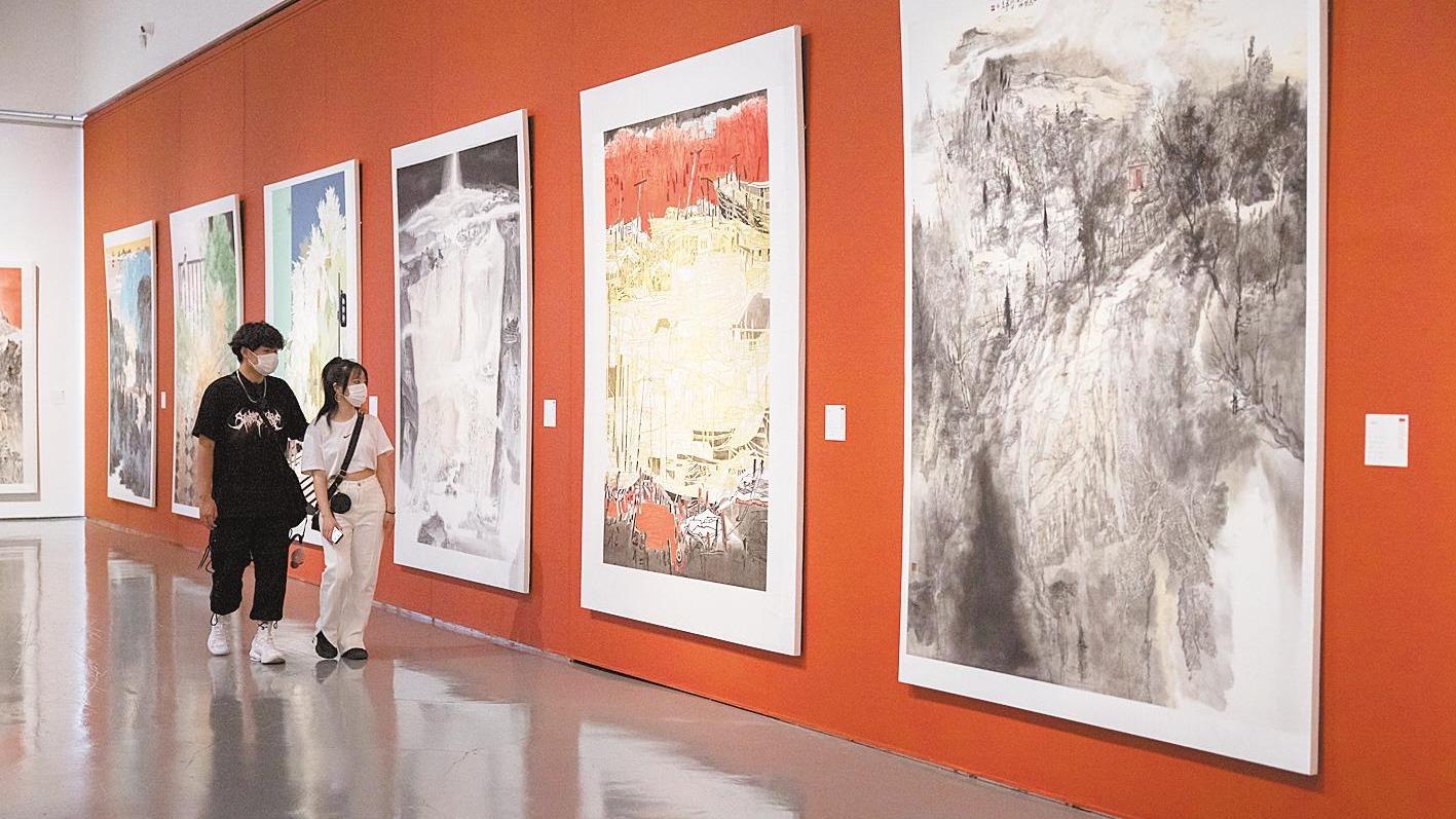 武漢美術館展出253幅佳作頌百年