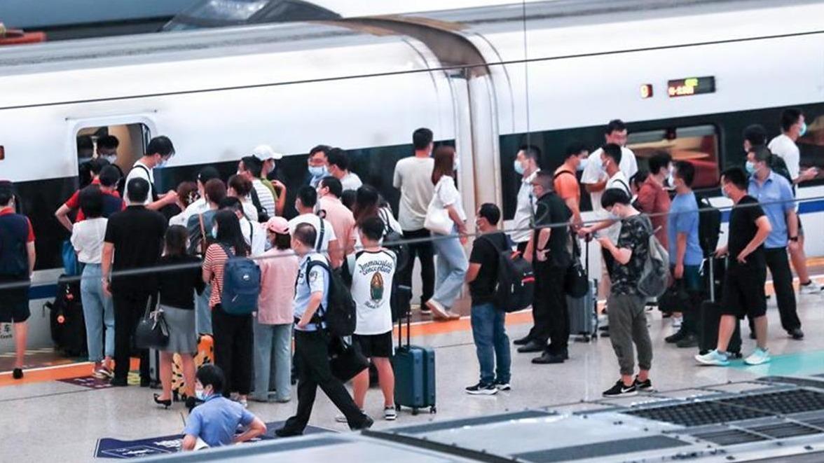 發送旅客8.2萬人!武漢迎來暑運高峰