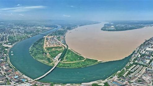 長江與清江現清濁合流景觀