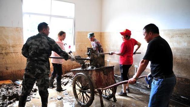夷陵:众志成城抗洪灾