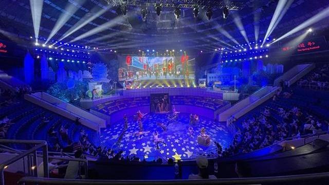 國內首部抗疫題材雜技劇《英雄之城》在漢首演