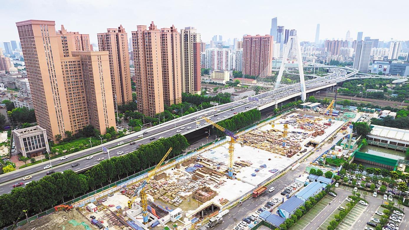 武汉最大地下净水厂施工忙