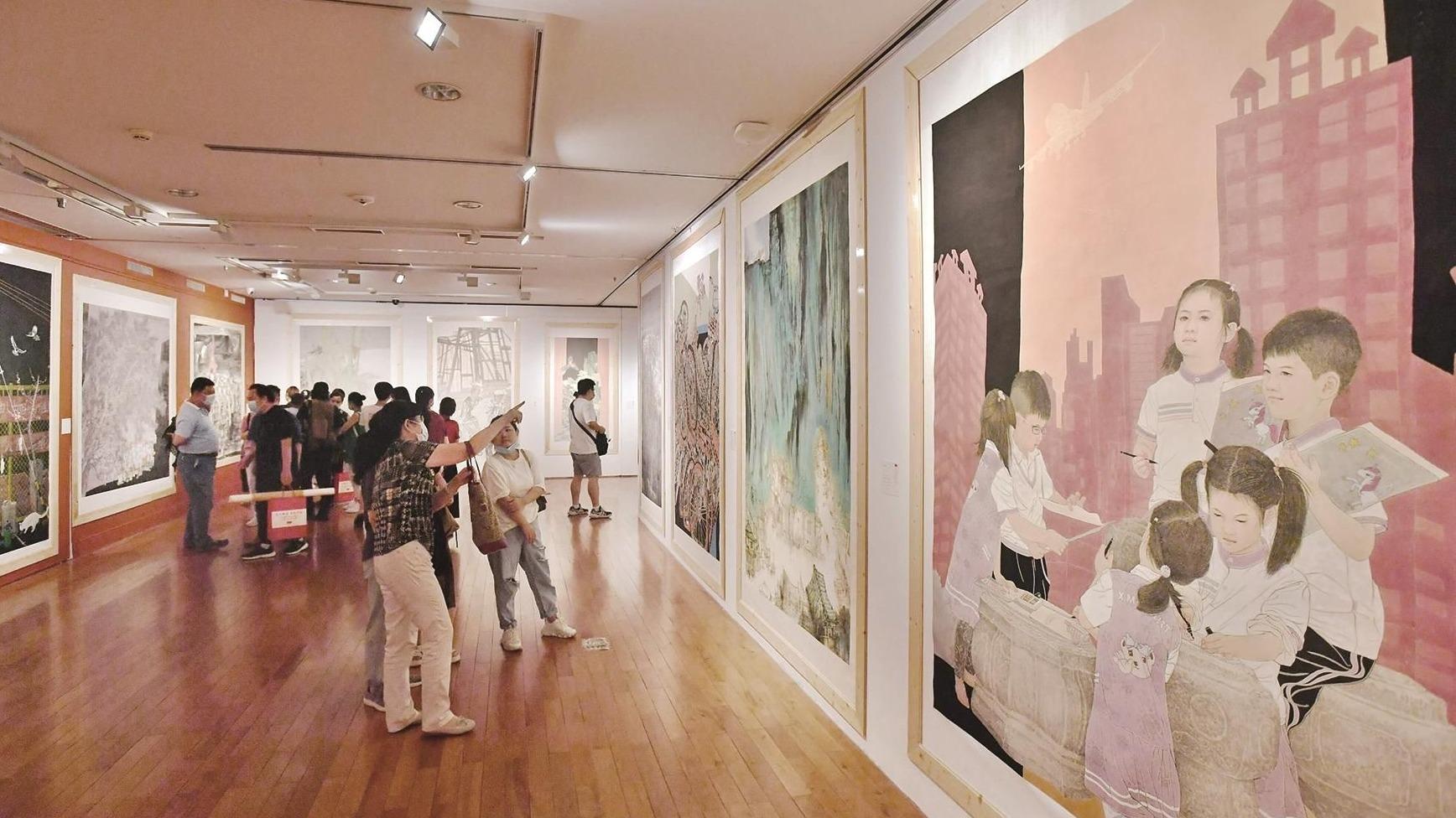 全國美術作品展在武漢開幕