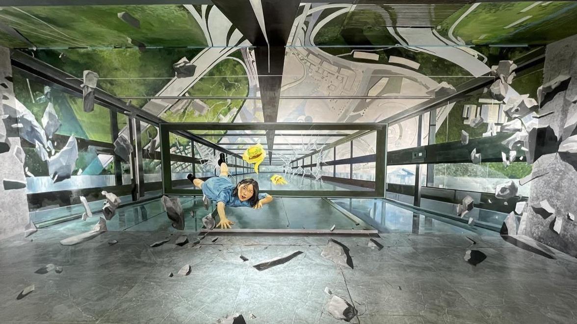 武汉:沉浸式艺术空间走廊成小众打卡点