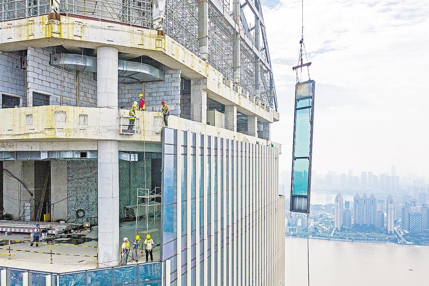 汉口沿江最高建筑加紧建设