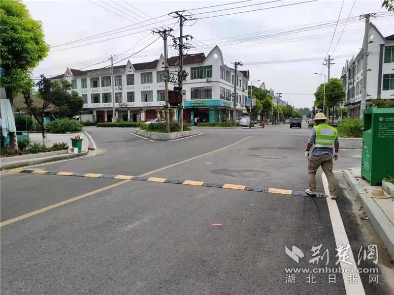 路口事故频发 一条留言促全市百余路口改造