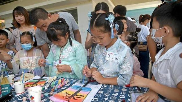 社区开展国风文化节增进邻里情