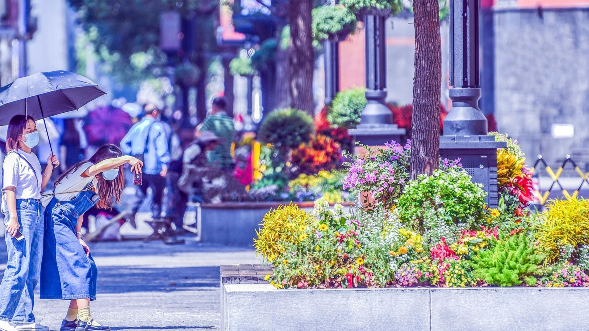 花漾街区江汉路 色彩斑斓迎国庆