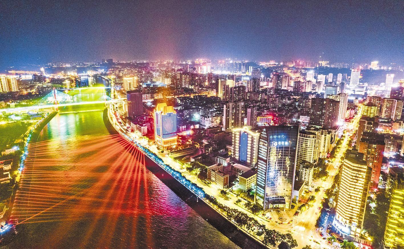 长江宜昌段夜景迷人