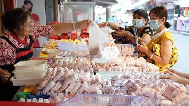 荆州传统手工月饼热销