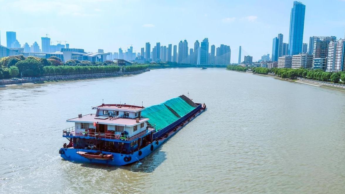 汉江武汉段水域水上交通恢复
