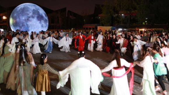 9月16日武汉园博园开启中秋夜场