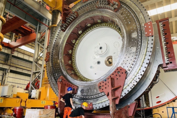 武汉地铁首次采用国产超大直径盾构机穿越长江