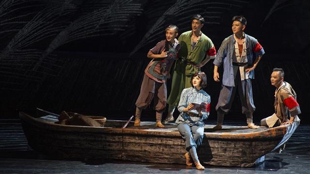 舞剧《洪湖水浪打浪》在湖北剧院上演