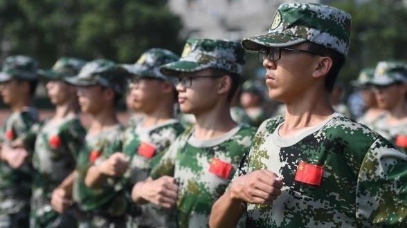 十五岁大学生的军训生活