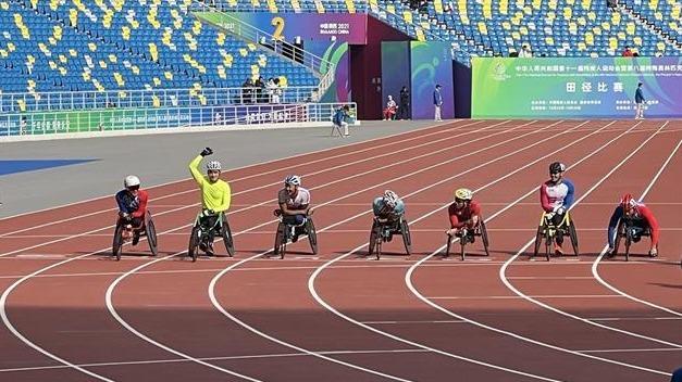 湖北运动员章莹获残特奥会首枚奖牌