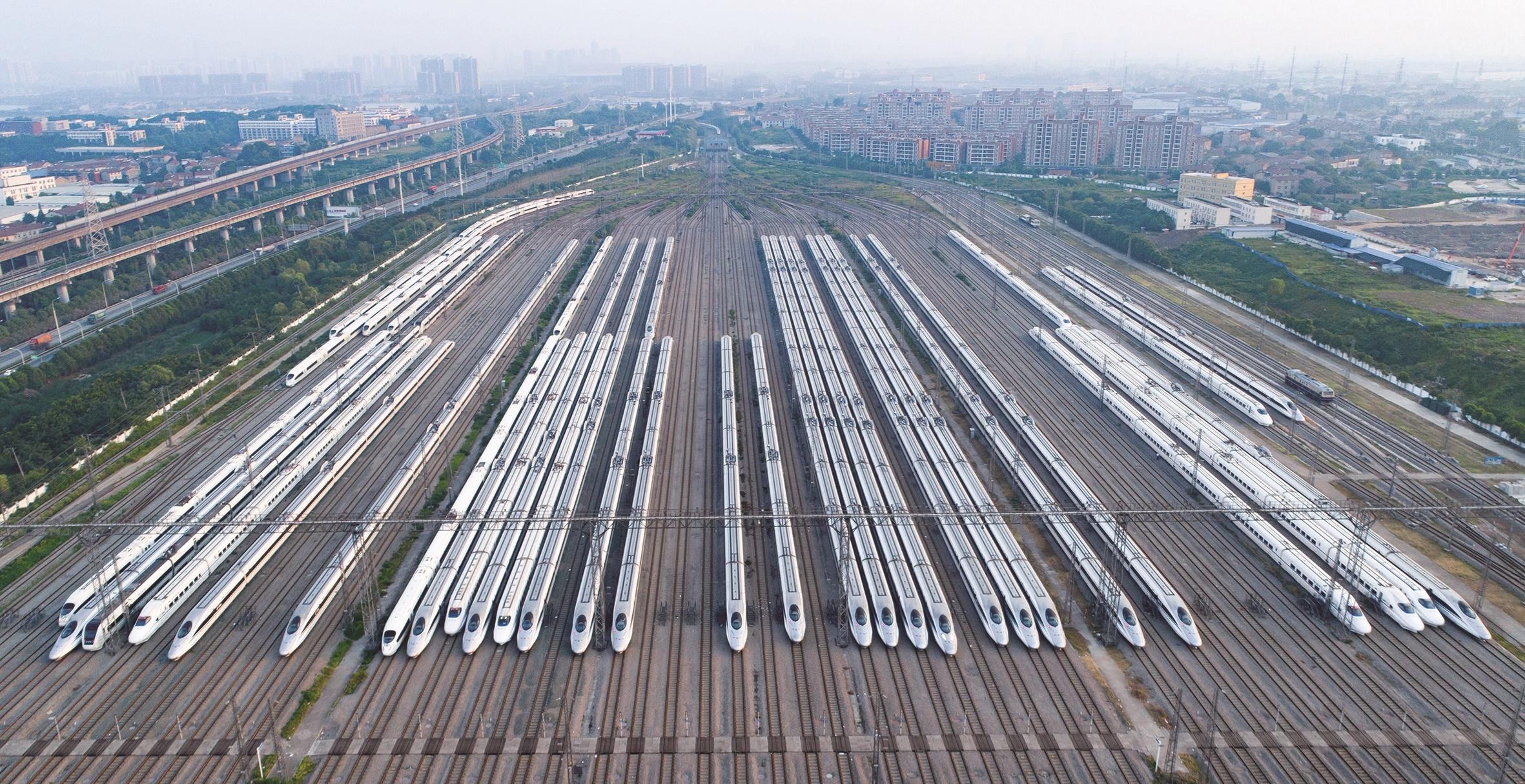 武汉高铁年内直达张家界凤凰古城