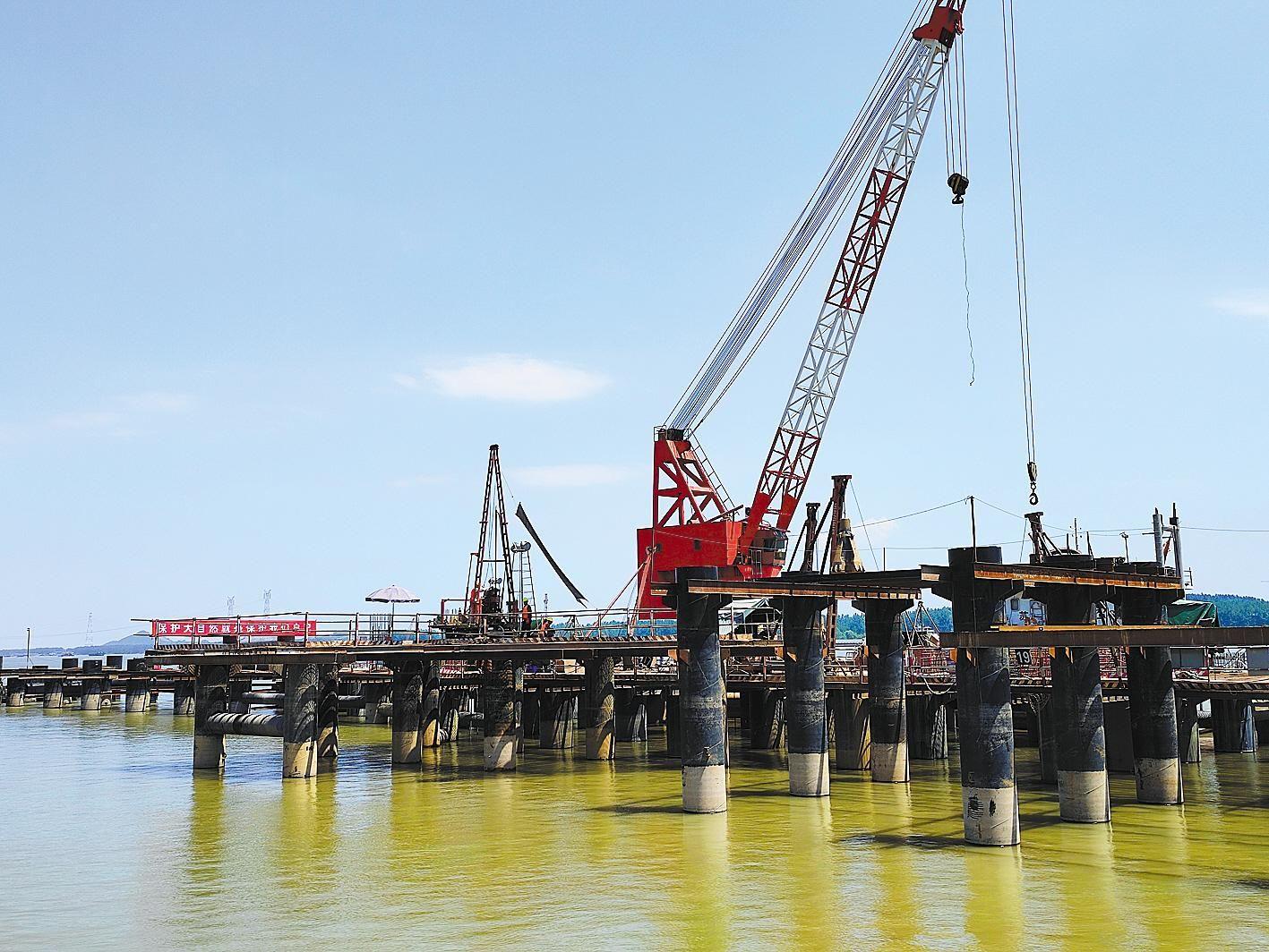 湖北在建万吨级泊位居长江中上游之首
