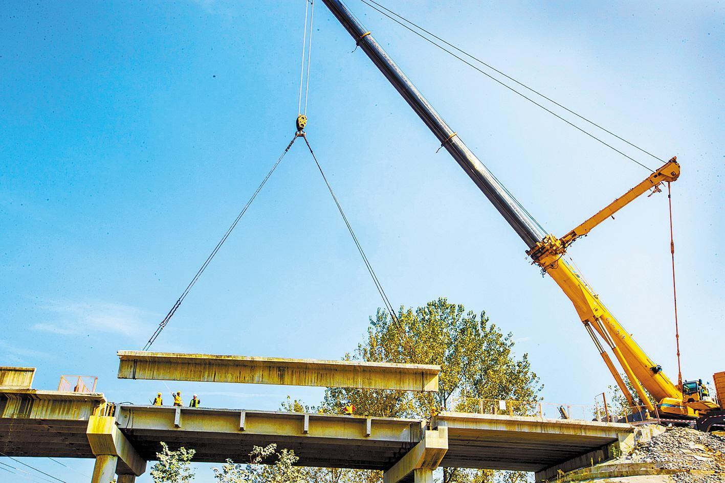 跨京广铁路旧立交桥拆除启动