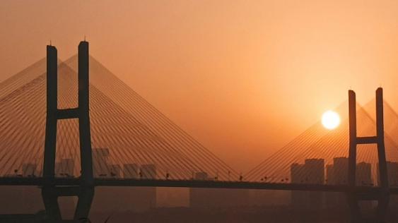 日出东方!国庆节,武汉的第一缕阳光