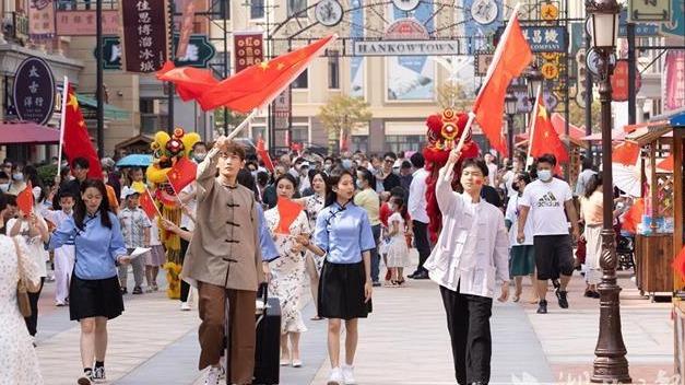 黄金周首日汉口镇开街 再现老汉口风情