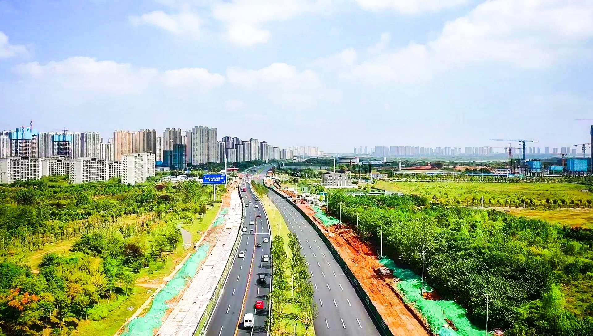光谷高新大道东段主线通车