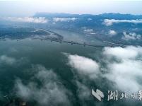 三峡枢纽年通过量达到1.44亿吨