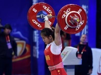 2019年举重世界杯邓薇包揽女子64公斤级冠军并打破三项世界纪录