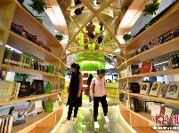 高颜值24小时书房 设有睡眠舱和防占座系统