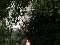 李溪芮曝生日写真 治愈系笑容似冬日暖阳