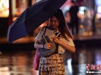广州遭遇强对流天气