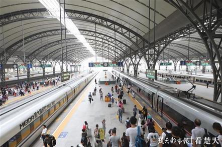武铁今日加开65列客车,中秋小长假共送客229.7万人次