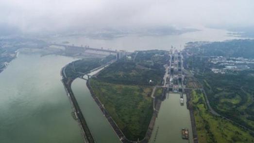 三峡枢纽2019年货运通过量已破亿吨
