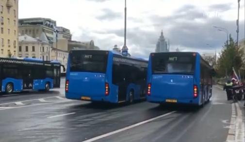 莫斯科城市服务车辆大游行