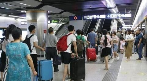 """禁止阻挡车门关闭!武汉轨道交通管理条例要""""更新""""了"""