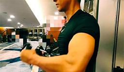 韩庚集训开始晒健身照 手臂肌肉巨大尽显男友力