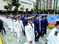 中国代表团率先入住军运村 村内行走下大雨也不会湿脚