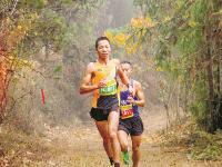 四场马拉松赛事昨在湖北开跑 激情奔跑的荆楚大地好嗨哟