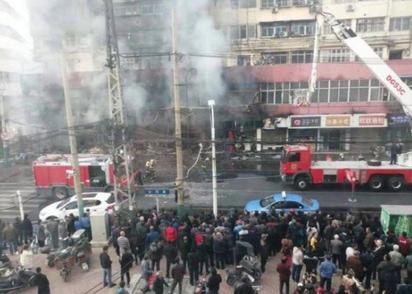 安徽蚌埠门面房发生火灾 已致5死3伤